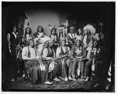 Red_cloud_and_other_sioux.jpg