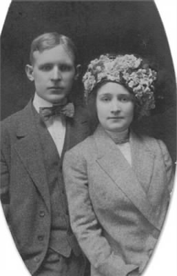 Carl Jerry Bremmer and Lucy M Sharpe Wedding Photo