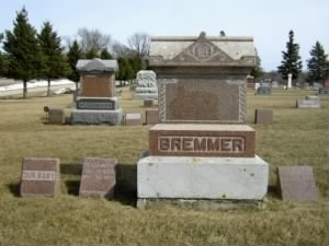 "Henry Bremmer, Elizabeth Bremmer, and Baby ""Unknown"" - Headstone"