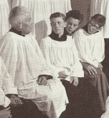 Uncle Floyd and boys in surplices - Fold3.com