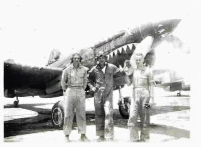 gtk_and_2_buddies_with_plane.jpg  Flying Tigers