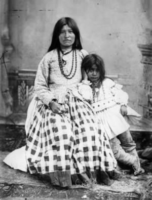 Ta-ayz-slath, wife of Geronimo, and child