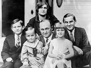 Ty Cobb Sr. (center) takes a portrait with his five children, (left to right) Herschel, Jimmy, Shirley, Beverly and Ty Jr.jpg