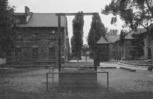 Auschwitz Gallows of WW-2.jpg